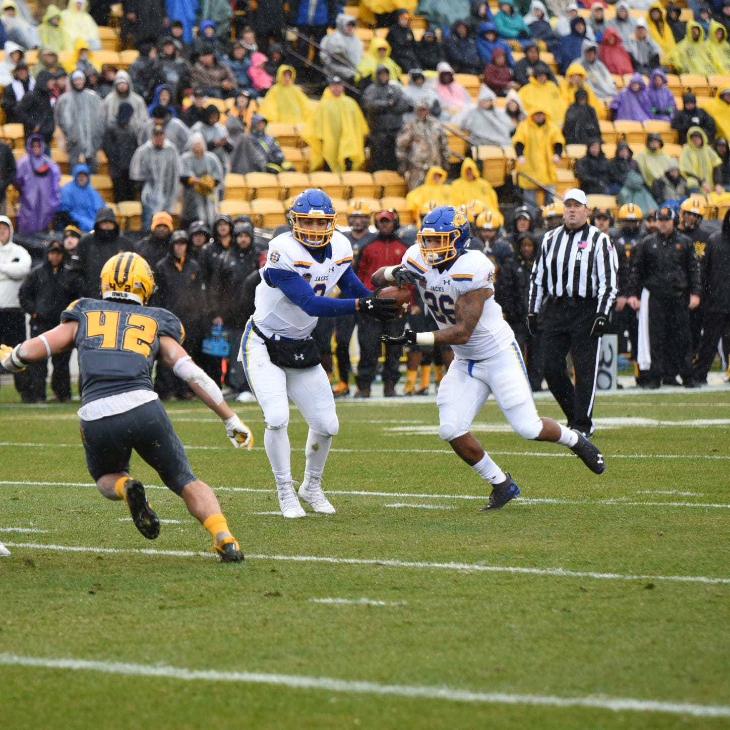 South Dakota State holds off Kennesaw State to advance to FCS semifinals