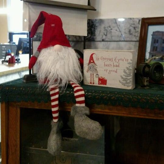 Real-life Grinch steals Hand County Christmas decoration