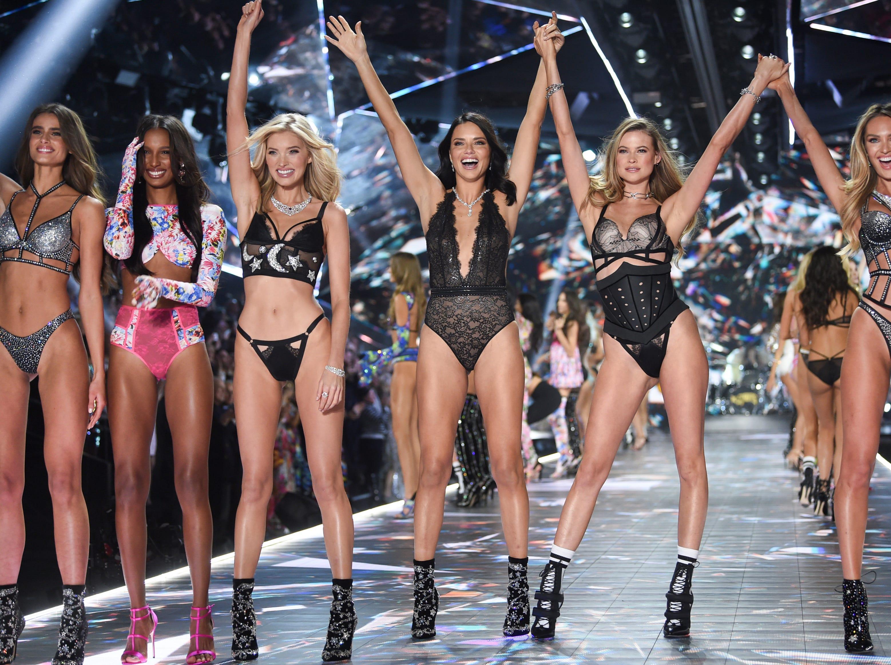 2018 Victoria's Secret Fashion Show draws supermodels, celebrities