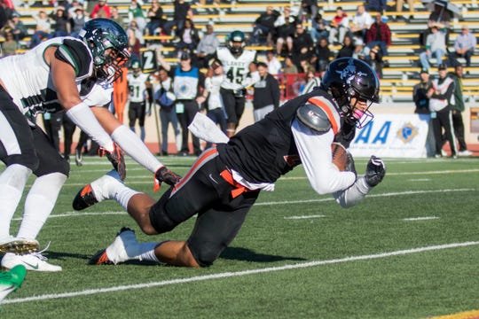 Ventura College receiver Brandon Jordan scores the second of his two touchdowns during the first half on Saturday afternoon at the CCCAA state championship game at Sacramento State's Hughes Stadium.