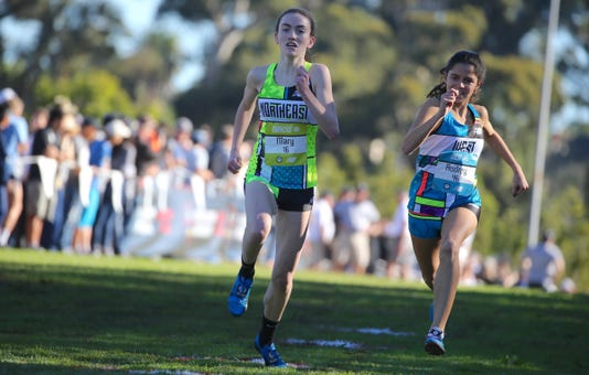 Sufferns Mary Hennelly Holds Off Californias Audrey Suarez To Finish 29th At Foot Locker X C Nationals