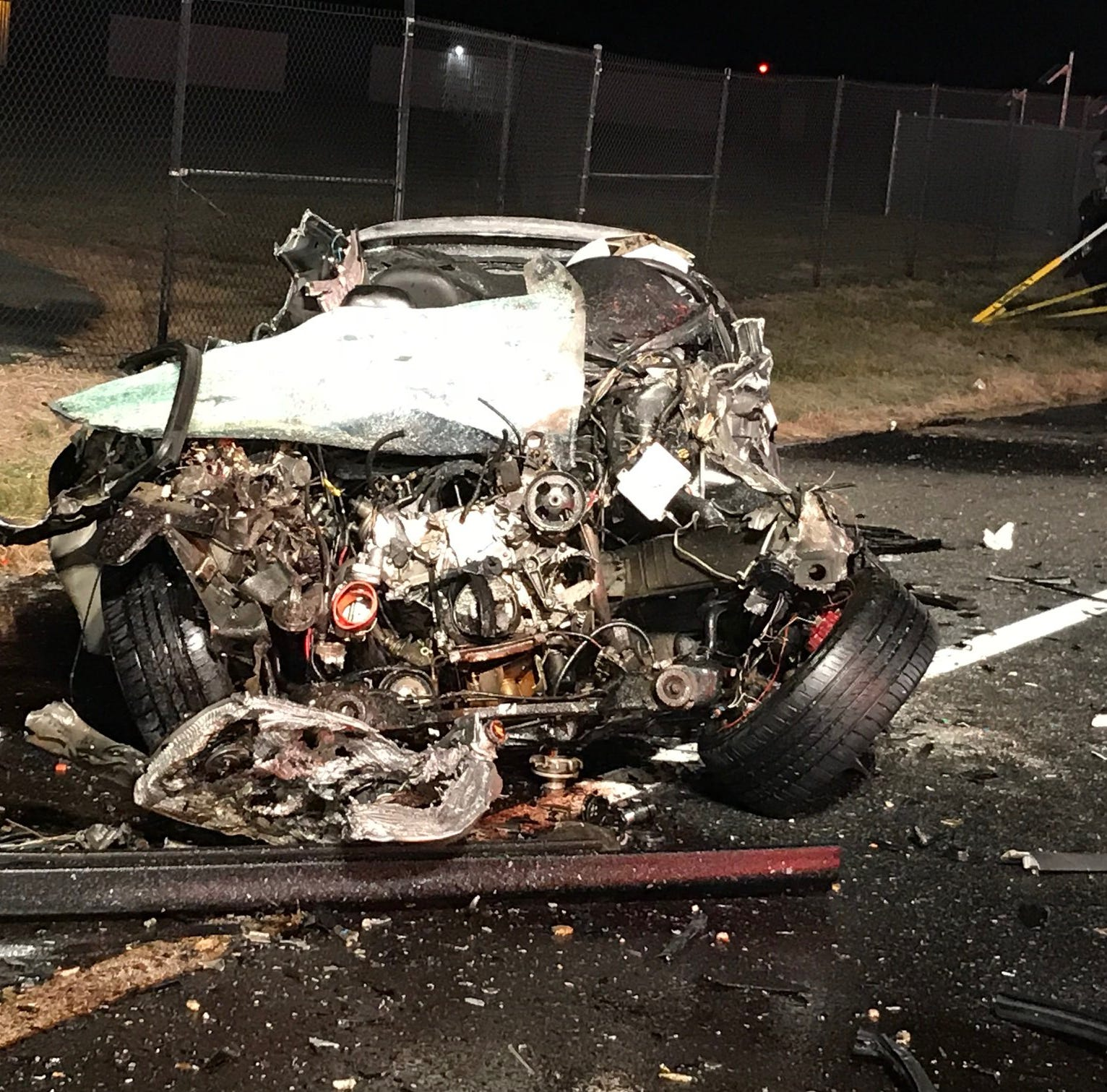 Two trapped in early morning crash on US 301