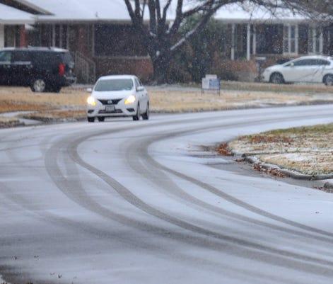 Snow Dusts Wichita Falls Streets Saturday Morning