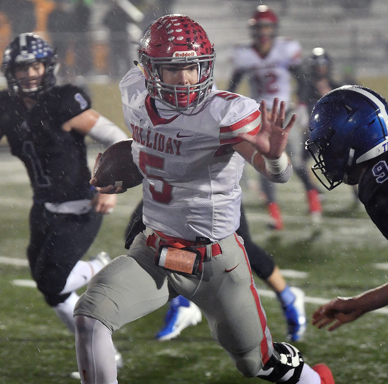 Gunter's defense dominates to eliminate Holliday from the playoffs