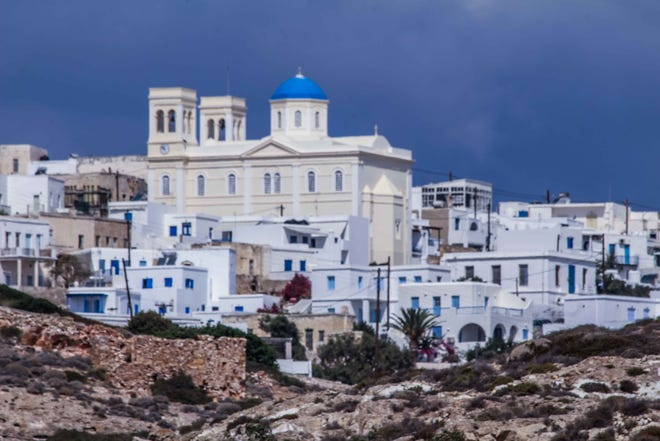 The village of Chora is one of the oldest in all of the Cyclades. There are hotels, restaurants and three charming squares. The Church of Panagia offers spectacular views.