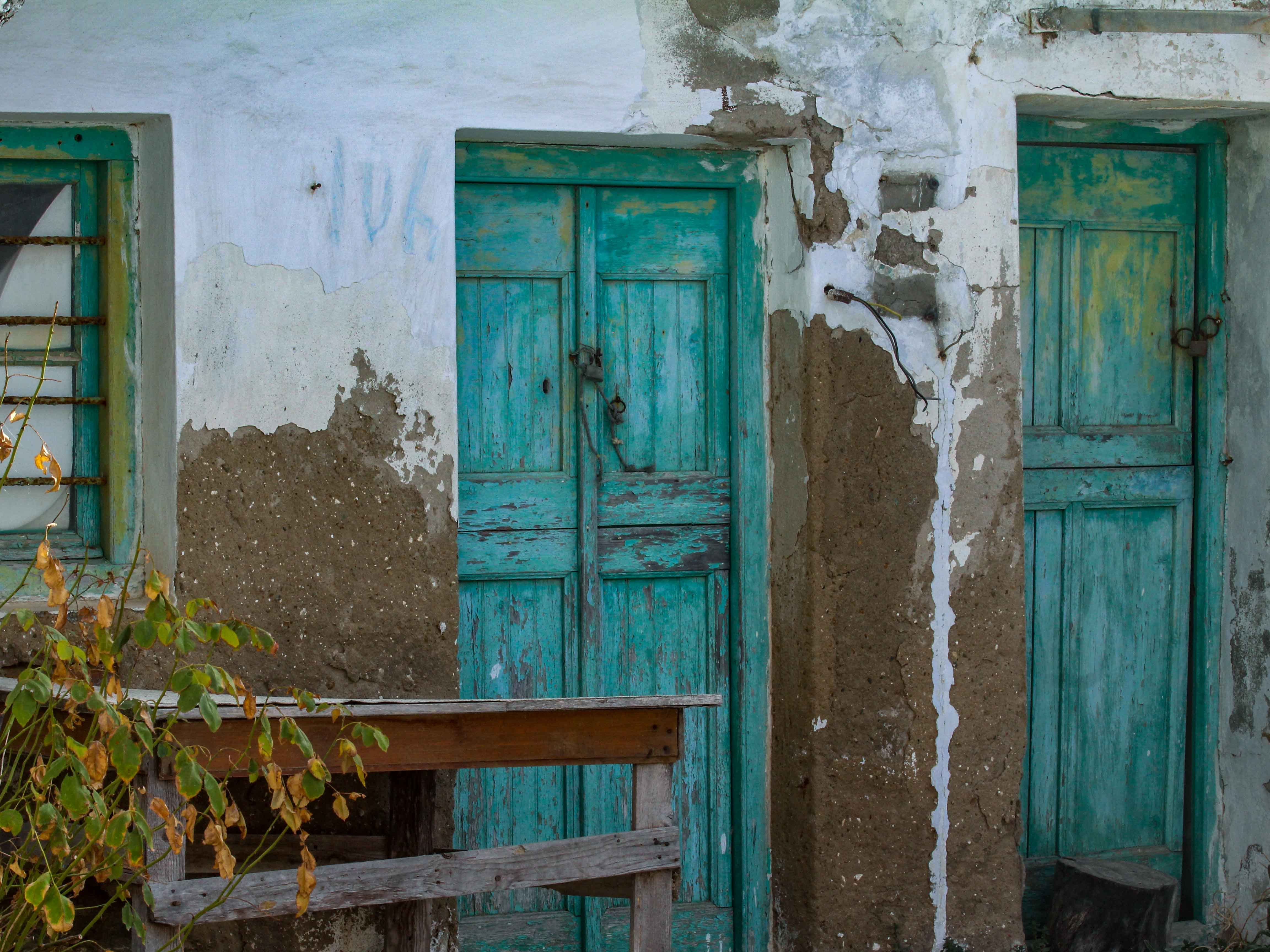 Time stands still at the old settlement of Panagia, located on a hill in the center of Serifos.