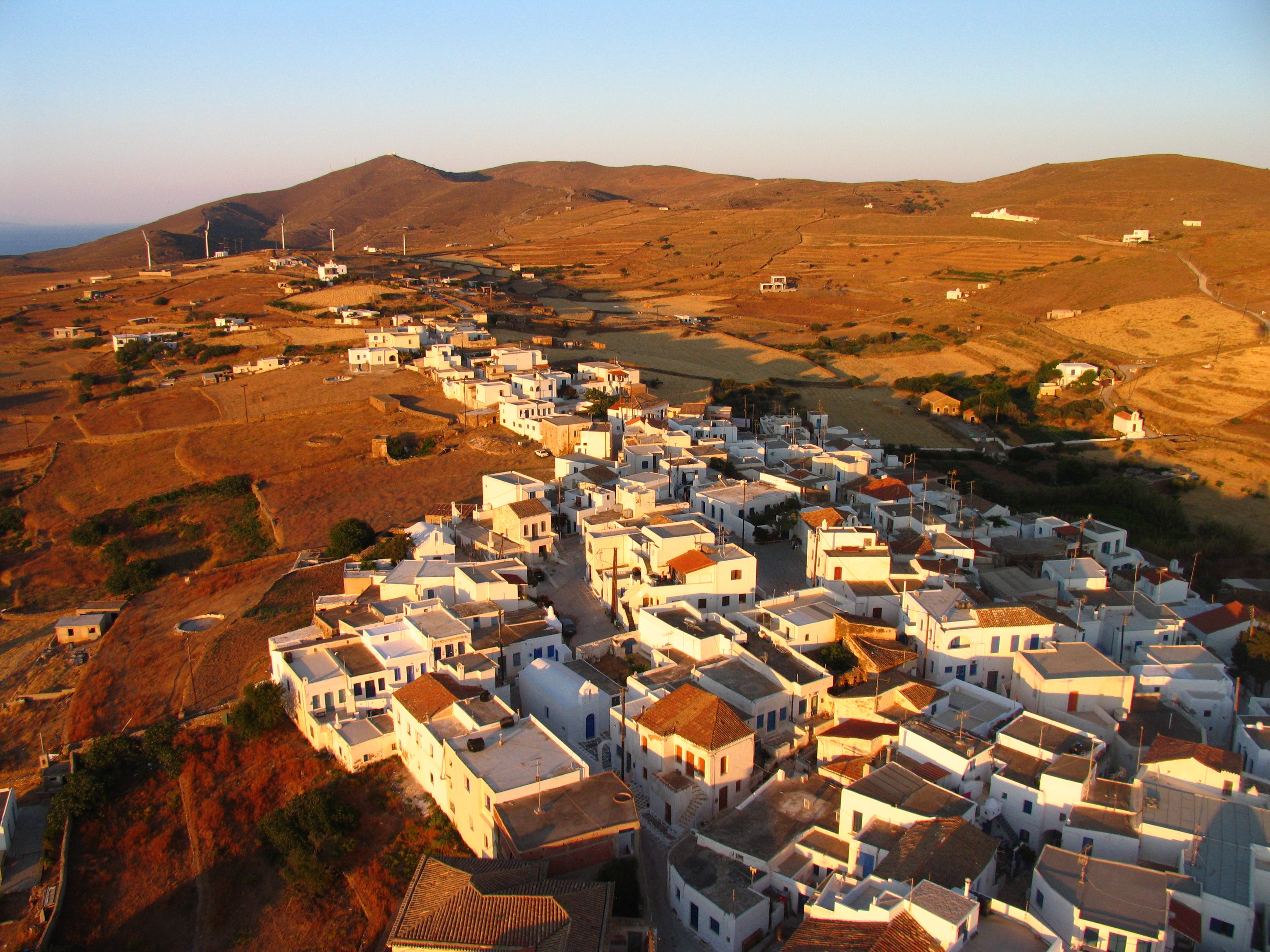 Chora Village is the essence of Cycladic charm, with scant streets and enchanting whitewashed churches. As the island is not the archetypical mountainous island it is built on an agricultural plain and relatively flat.