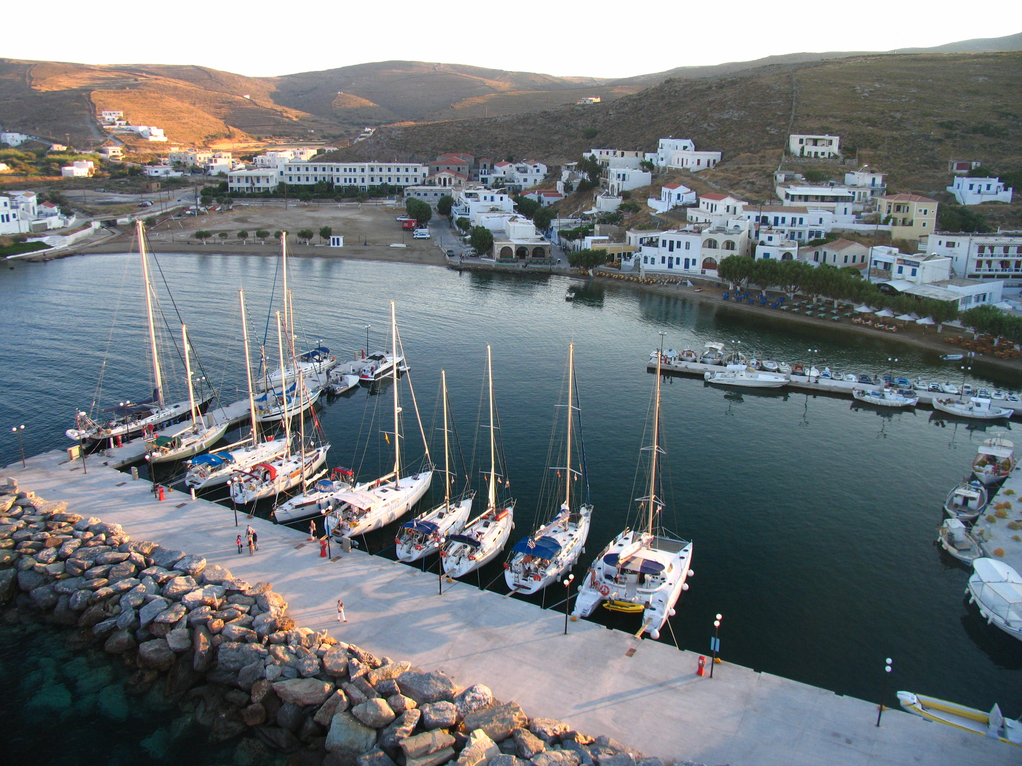 Many captains dock their boats in Loutra Village. Like many off-the-beaten-path islands of the Cyclades, the tourist season begins in mid-June and runs until mid-September.