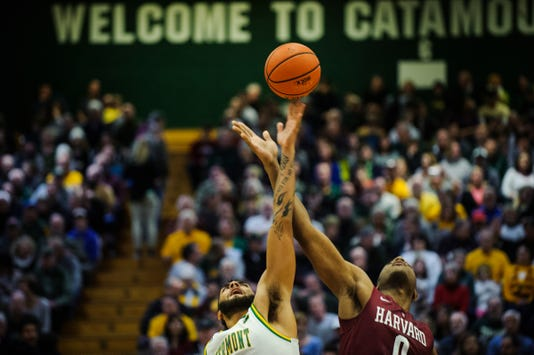 Harvard Vs Vermont Men S Basketball 12 8 18