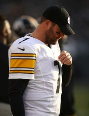 Pittsburgh Steelers quarterback Ben Roethlisberger (7) stands on the sideline during the second half of an NFL football game against the Oakland Raiders in Oakland, Calif., Sunday, Dec. 9, 2018.