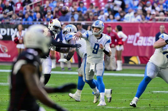 Detroit Lions quarterback Matthew Stafford throws during the first half against the Arizona Cardinals at State Farm Stadium, Dec. 9, 2018.