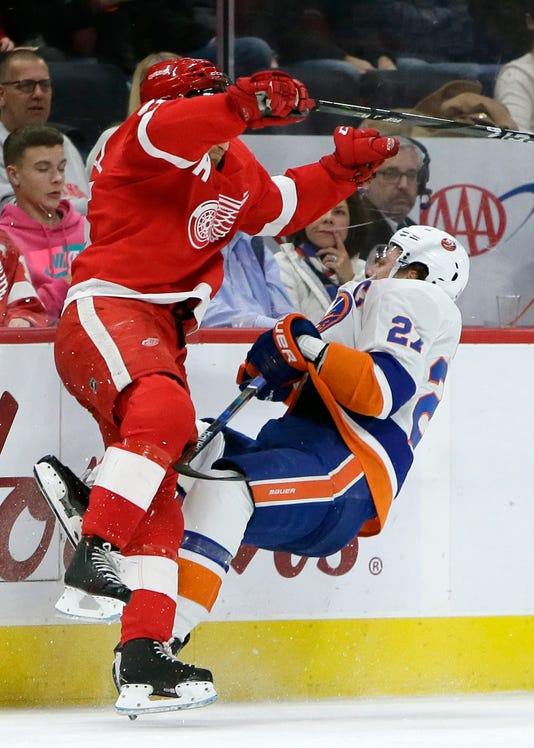 Ap Islanders Red Wings Hocke 3