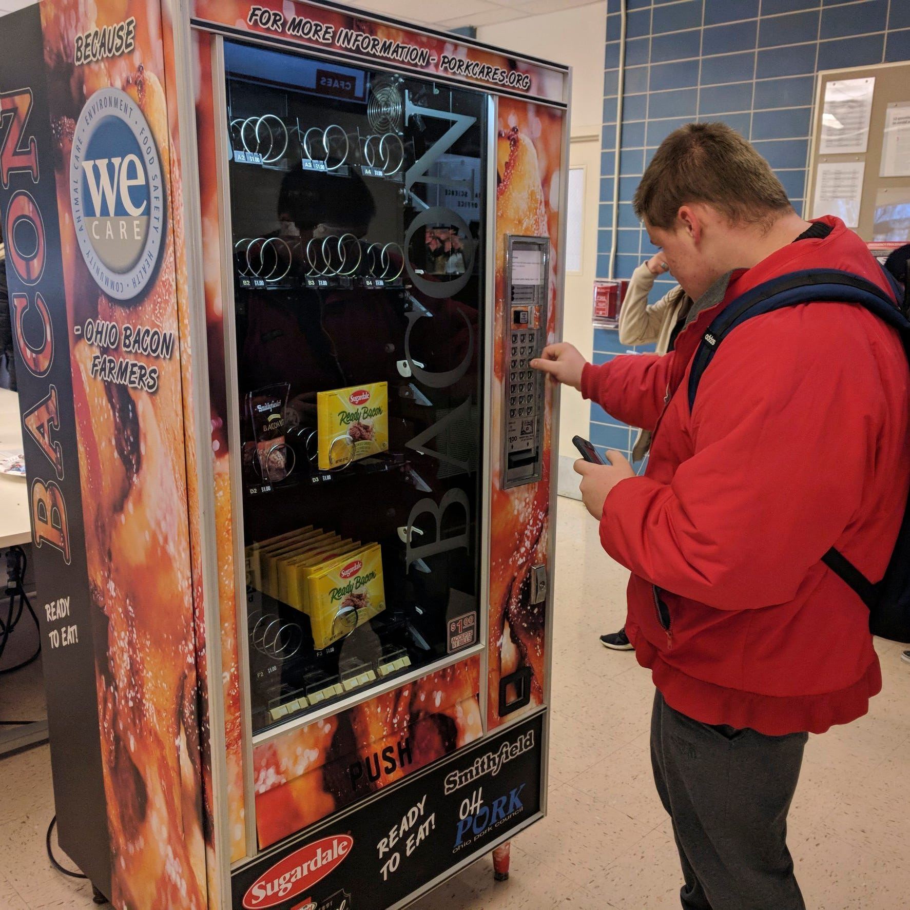 Vending machine dispenses bacon at Ohio State University campus