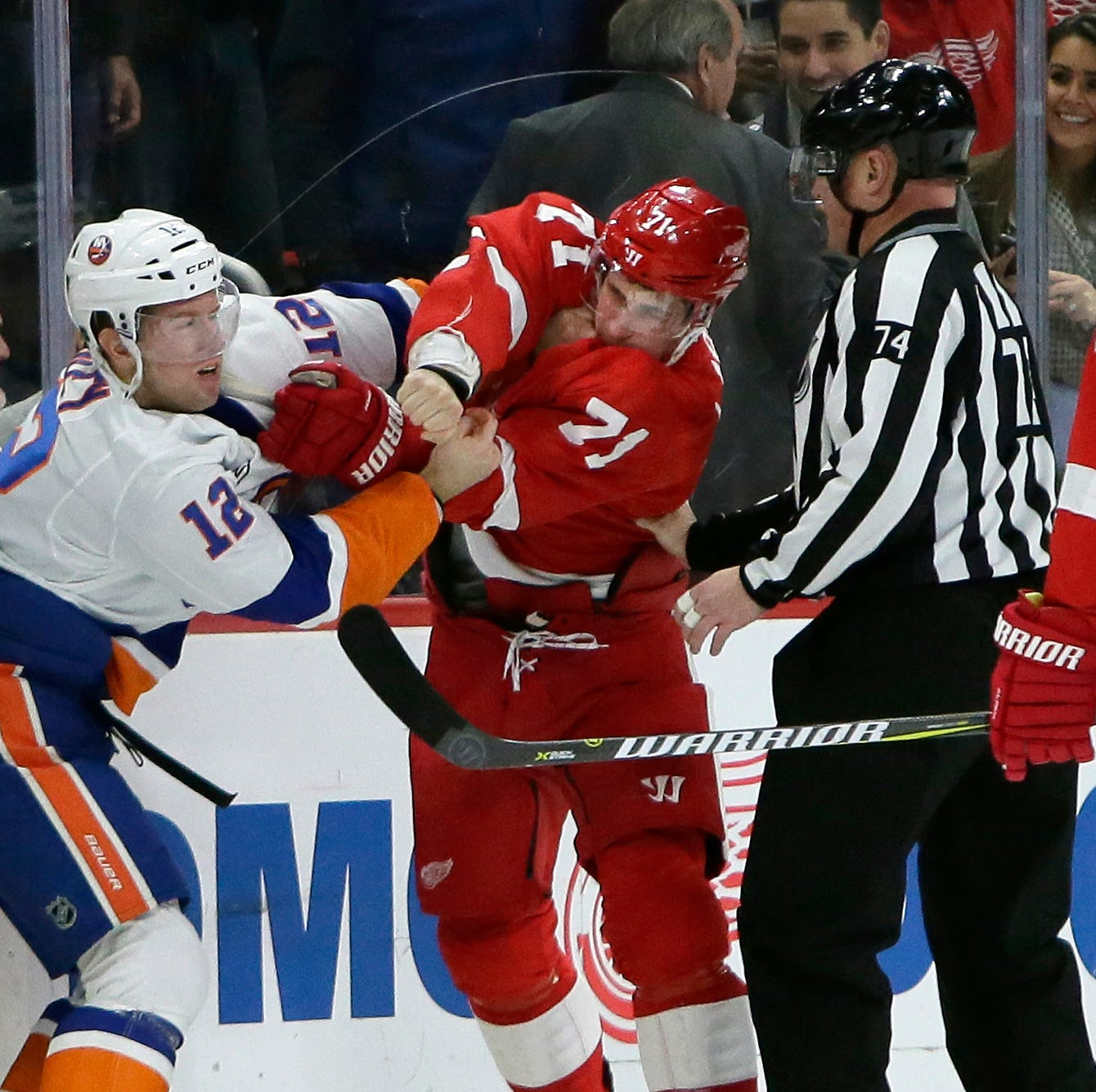 Dylan Larkin fighting benefits the Detroit Red Wings. Here's why