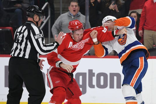 Nhl New York Islanders At Detroit Red Wings