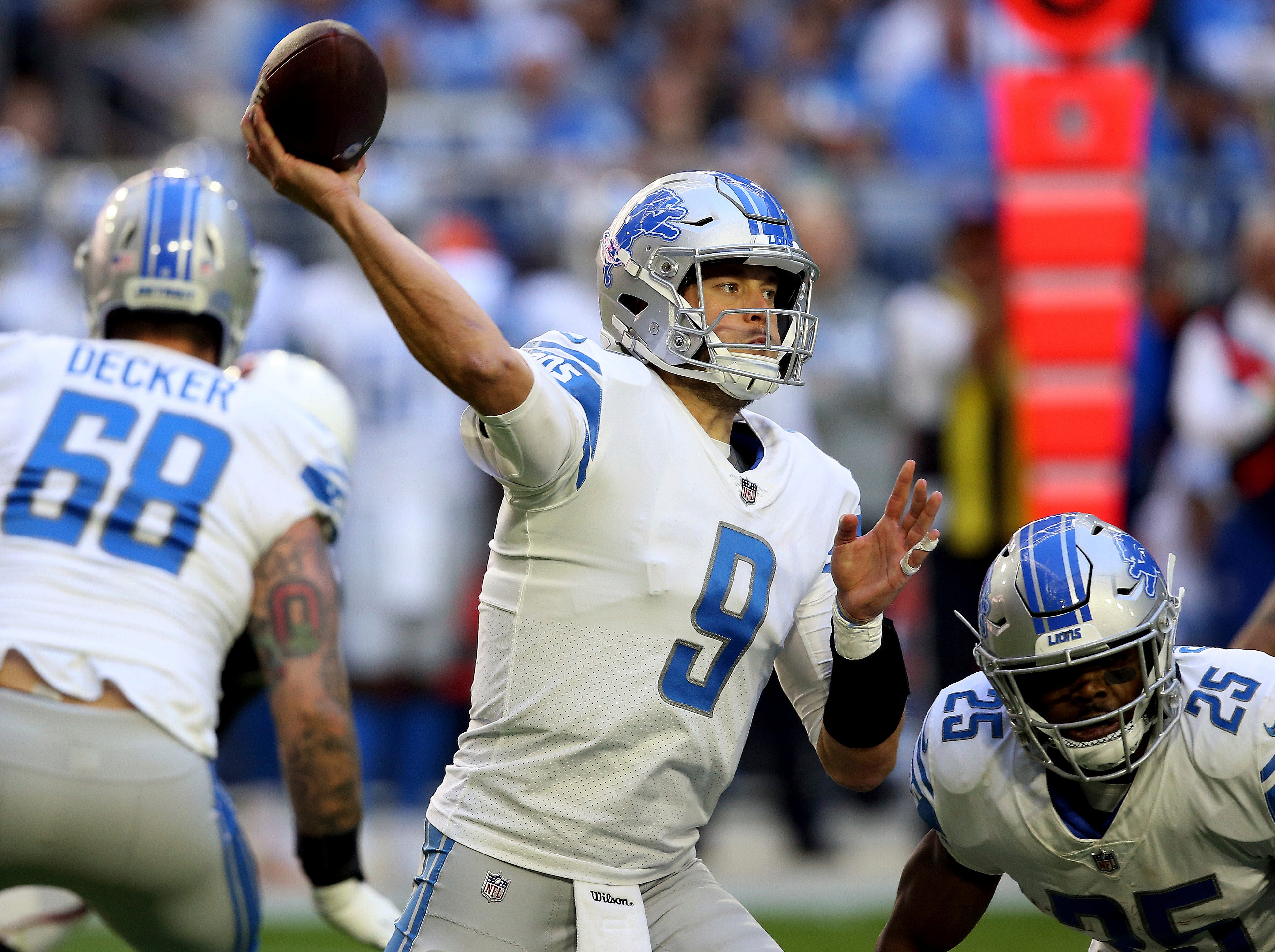 Detroit Lions quarterback Matthew Stafford (9) throws against the Arizona Cardinals during the first half.