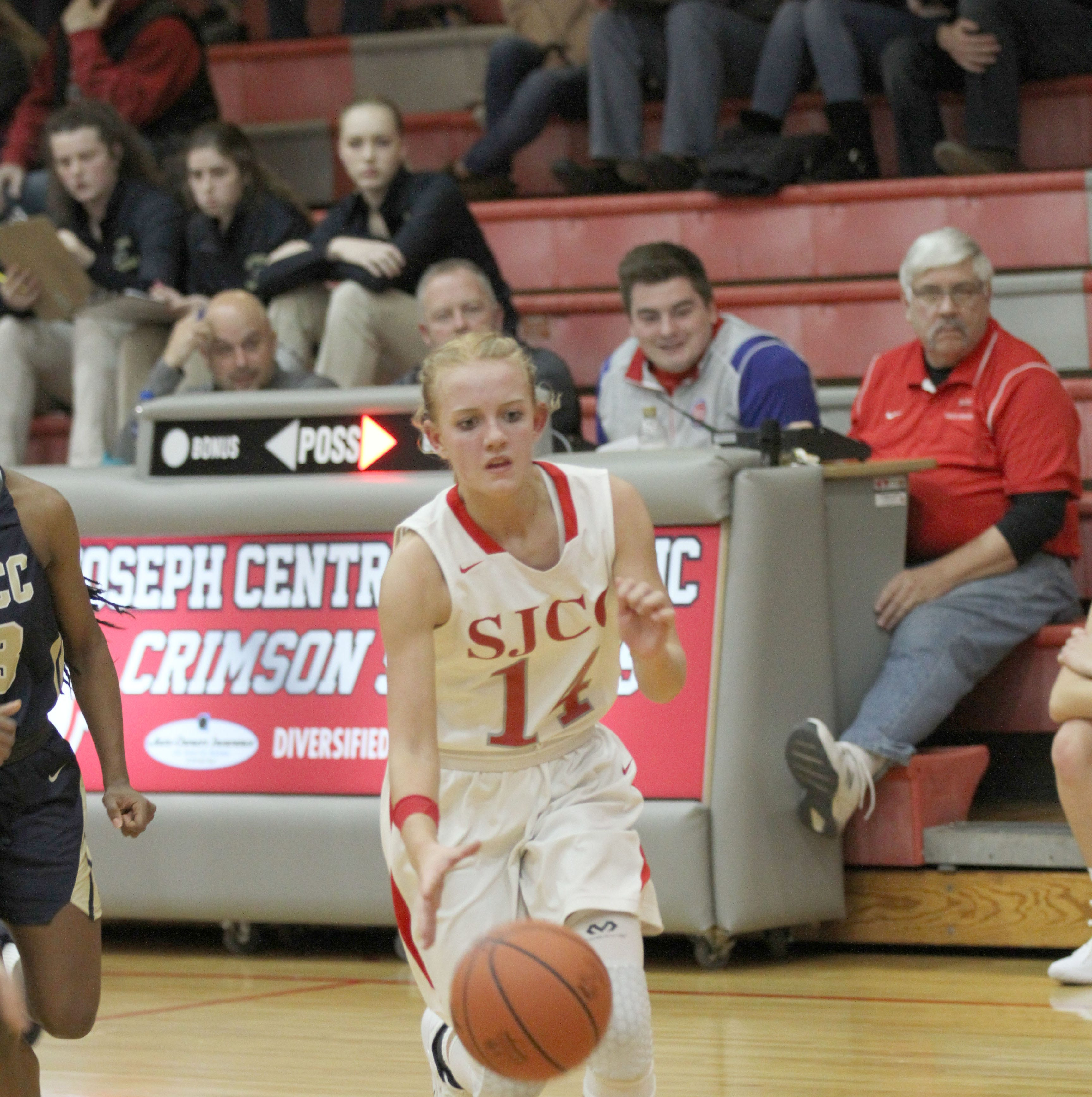 Crimson Streaks fall 59-48 to visiting Panthers
