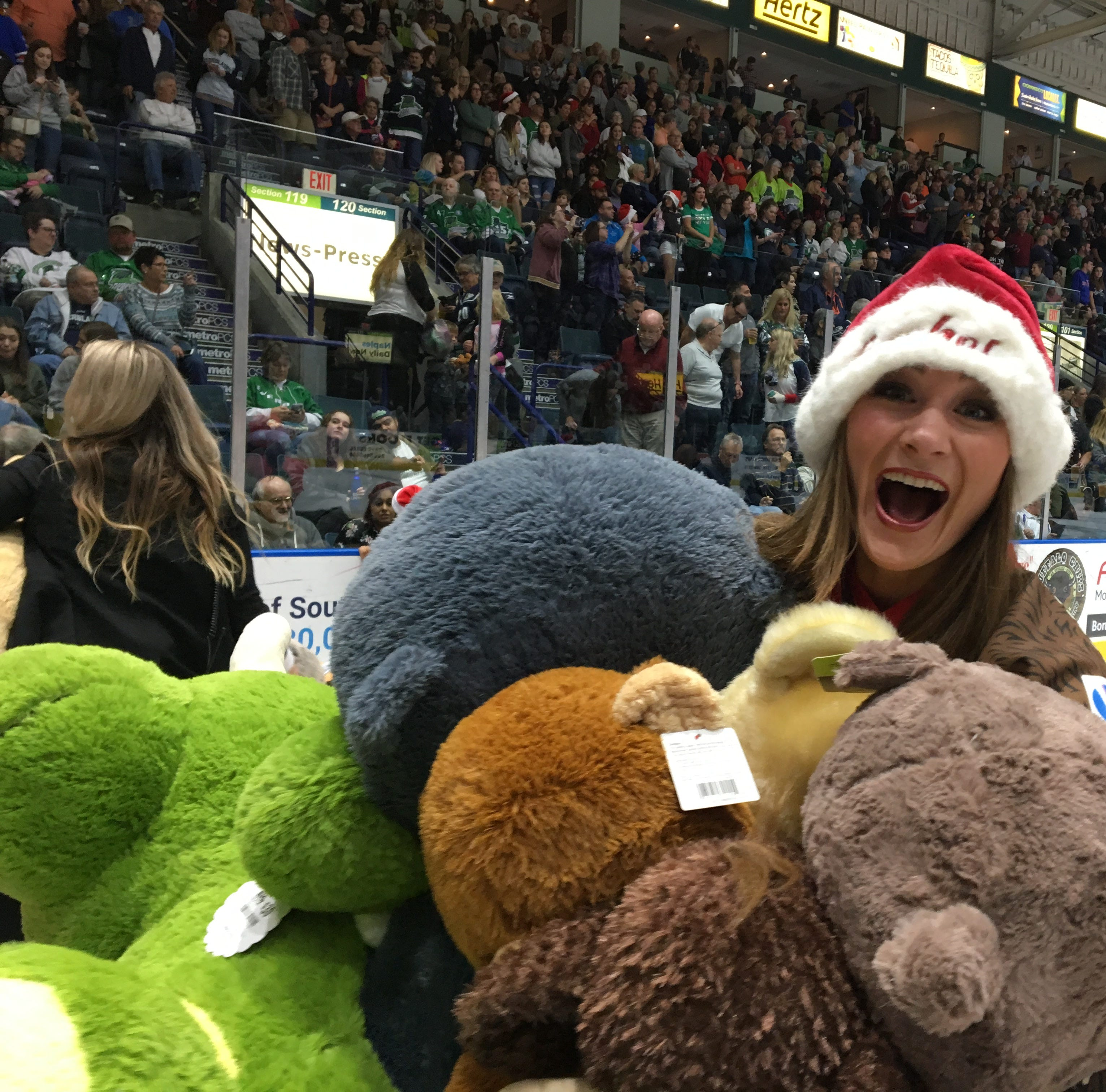 Florida Everblades win, teddy bears tossed and a SWFL tradition lives on