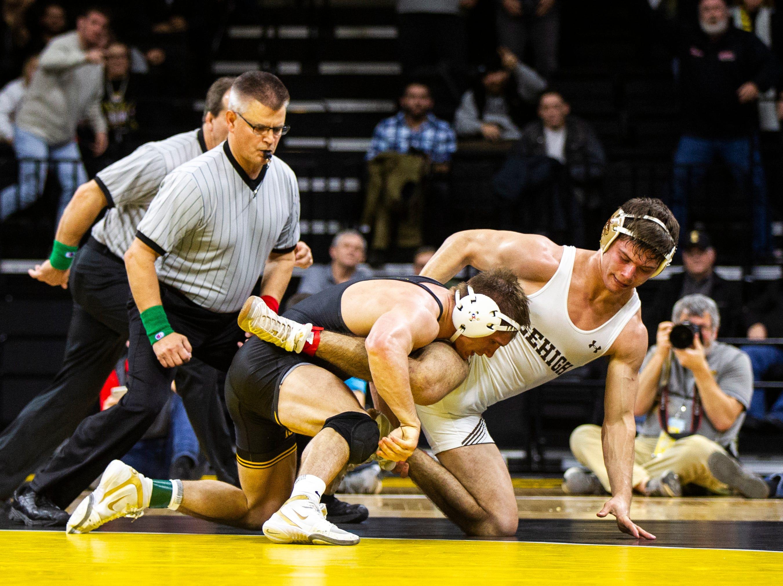 Wrestling: Bonus points lead Hawkeyes to win over Lehigh