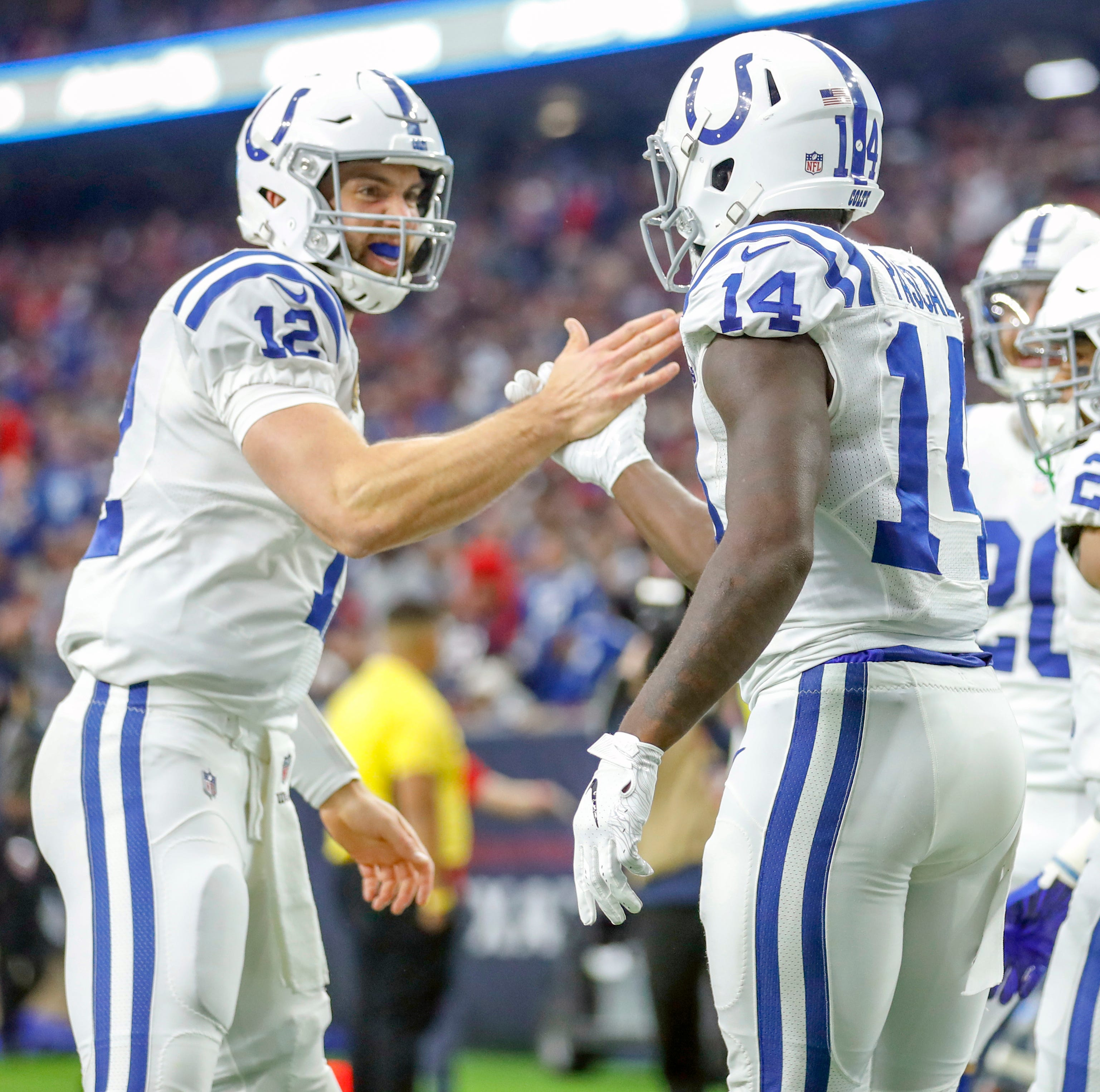 Doyel: Andrew Luck is all the way back, keeps Colts in playoff picture