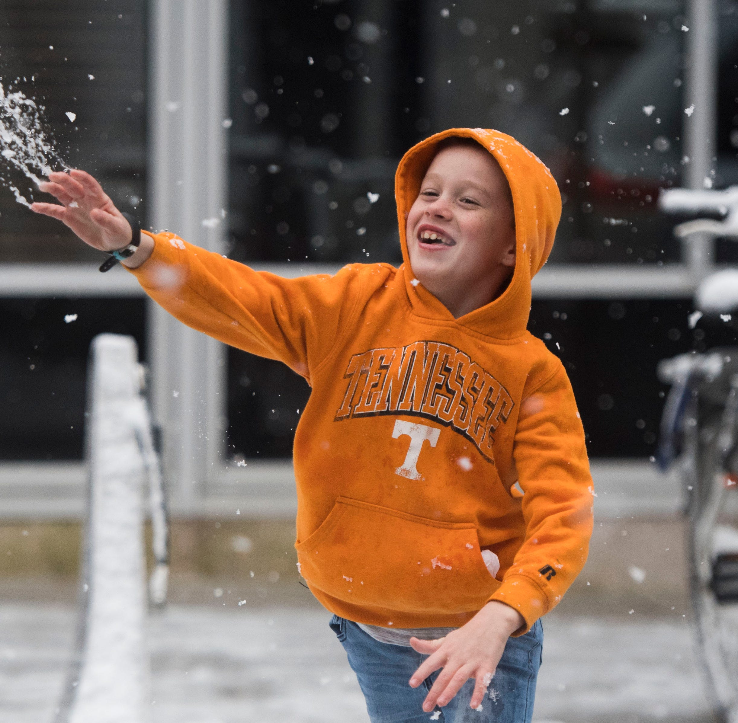 Knox County Schools on two-hour delay; several other East Tennessee schools closed