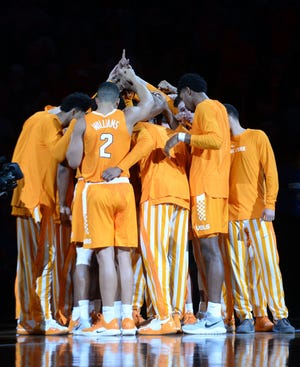 Dec 9, 2018; Phoenix, AZ, USA; Tennessee Volunteers players huddle during the first half against the Gonzaga Bulldogs at Talking Stick Resort Arena.