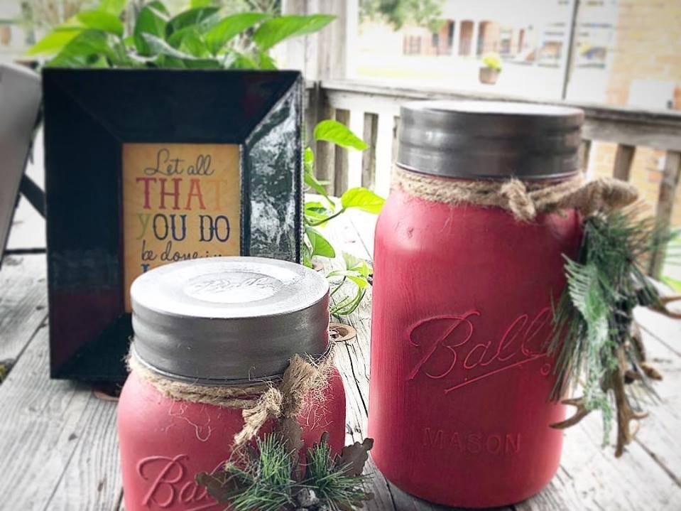 Holiday-themed mason jars sold at Artique