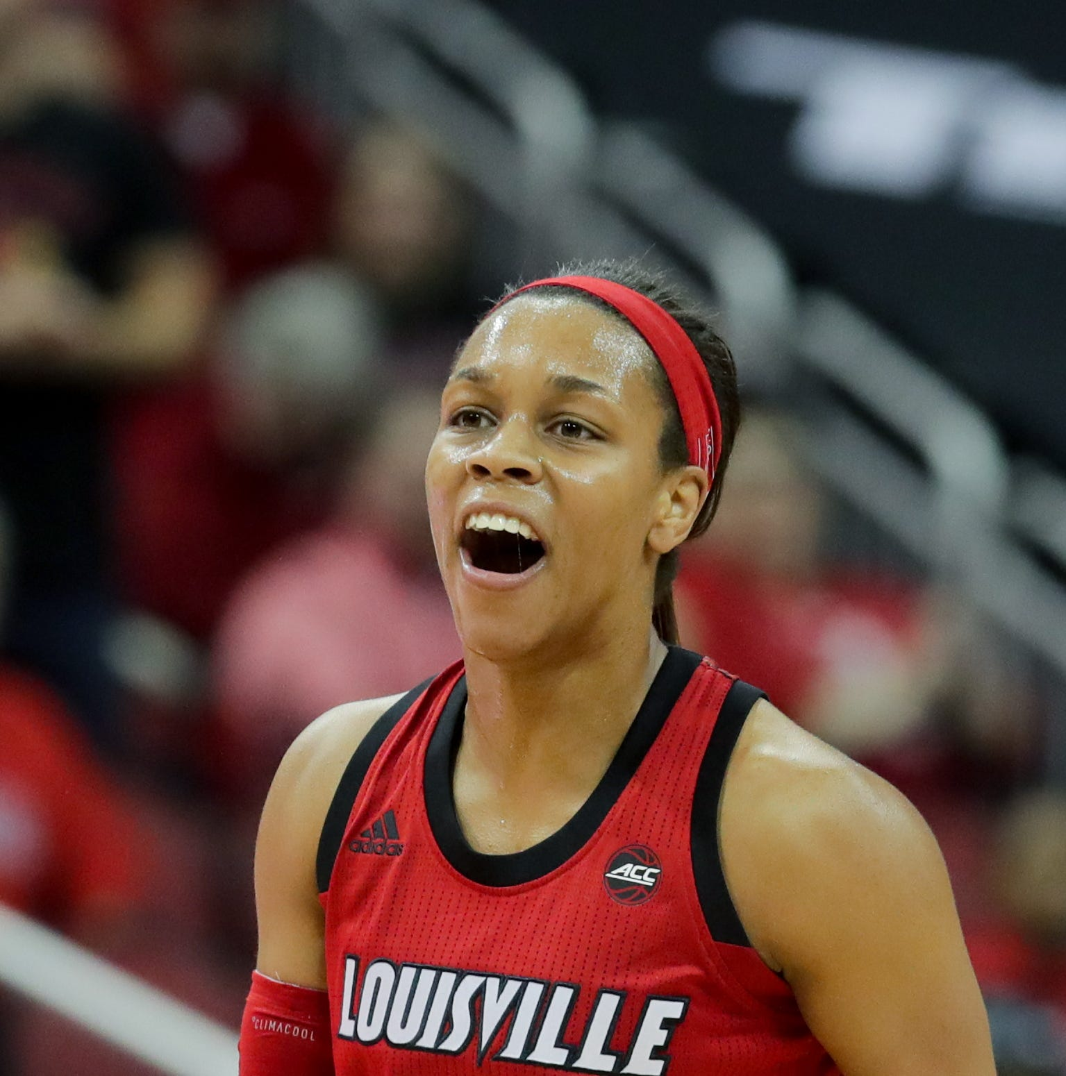 Louisville holds off late rally from Kentucky to win Bluegrass battle