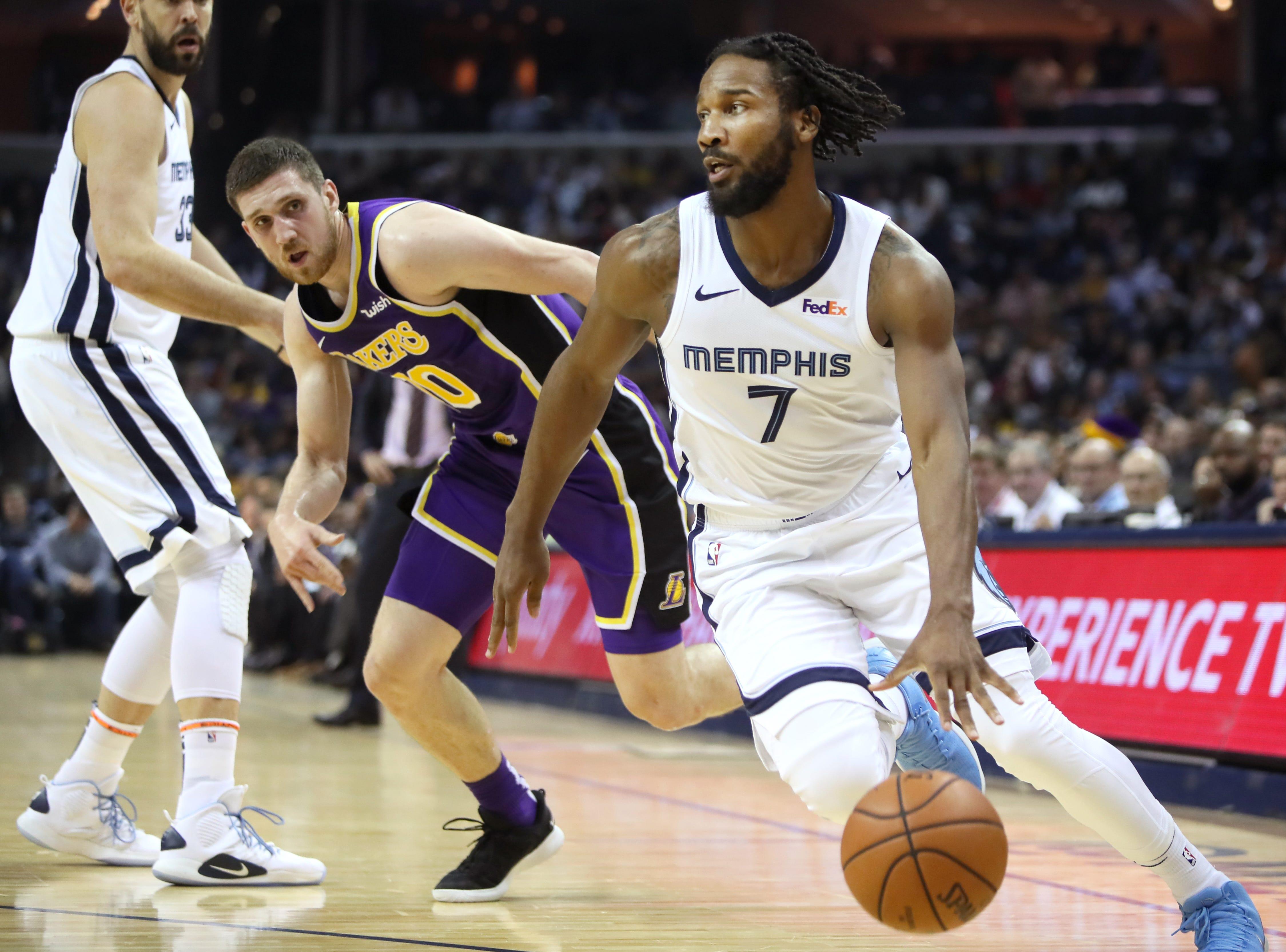 Memphis Grizzlies guard Wayne Selden drives past Los Angeles Lakers defender Sviatoslav Mykhailiuk at the FedExForum on Saturday, Dec. 6, 2018.