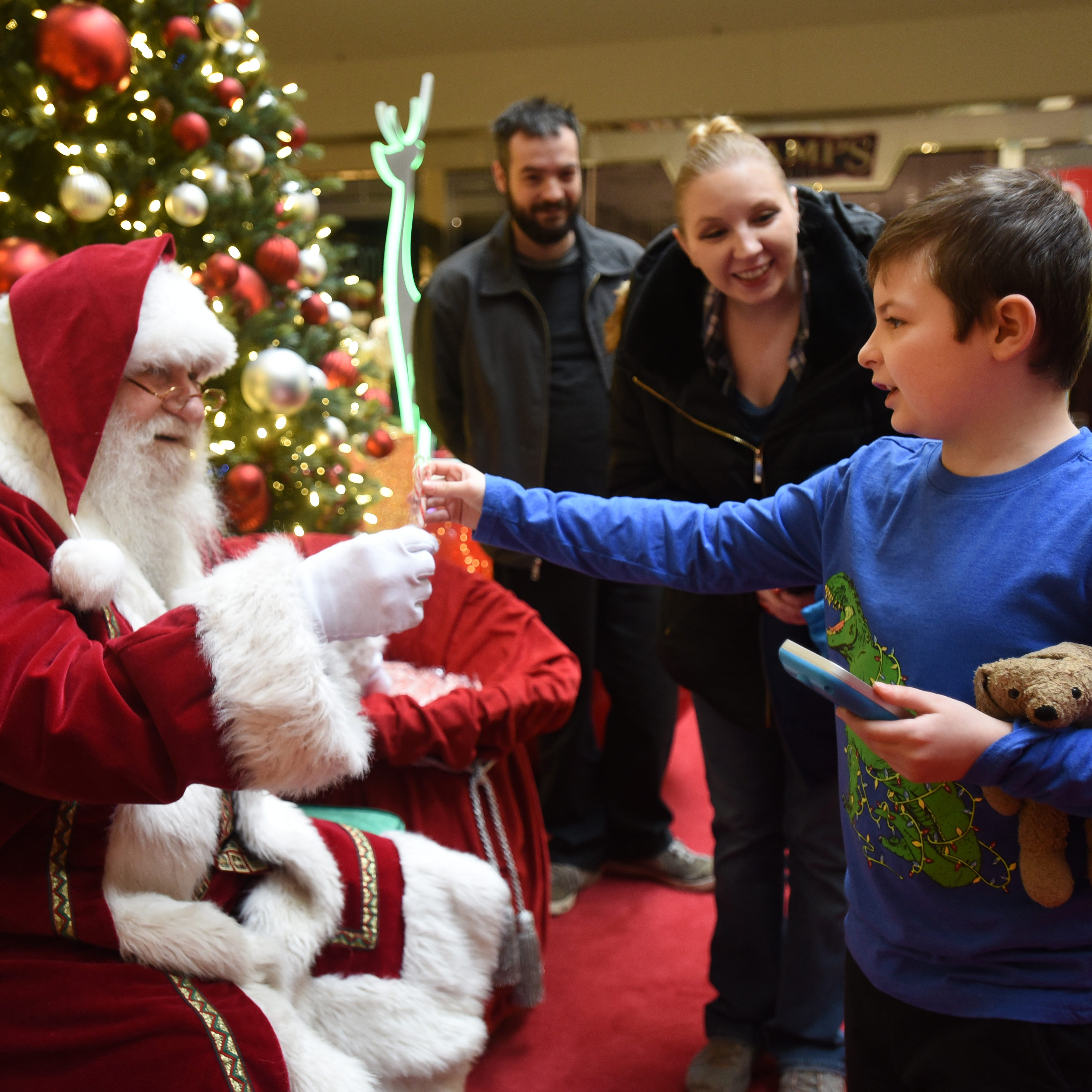 Santa's early morning time slots serve the special needs community at NJ mall