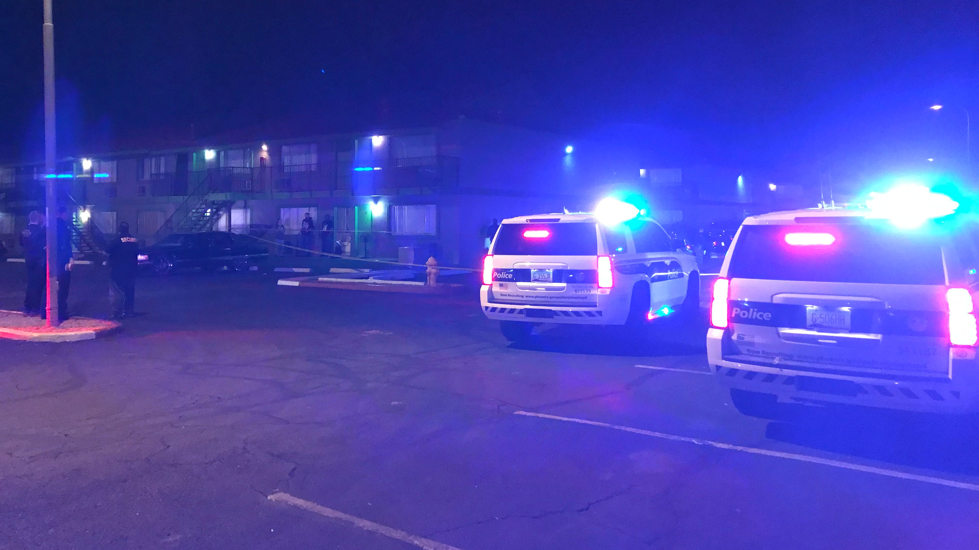 Phoenix police investigate reported shooting on East McDowell Road near 40th Street