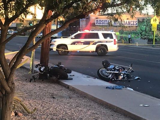 Crash restricts traffic in Phoenix