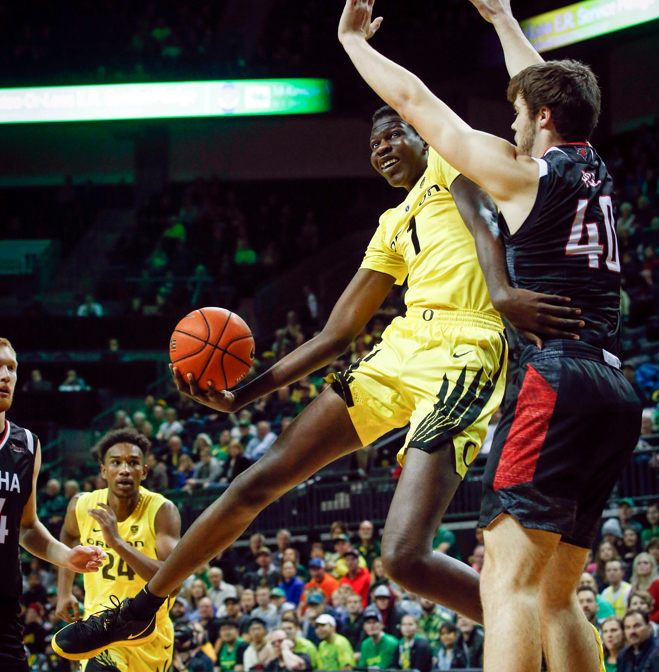 Wooten scores career-best 20, leads Oregon over Omaha 84-61