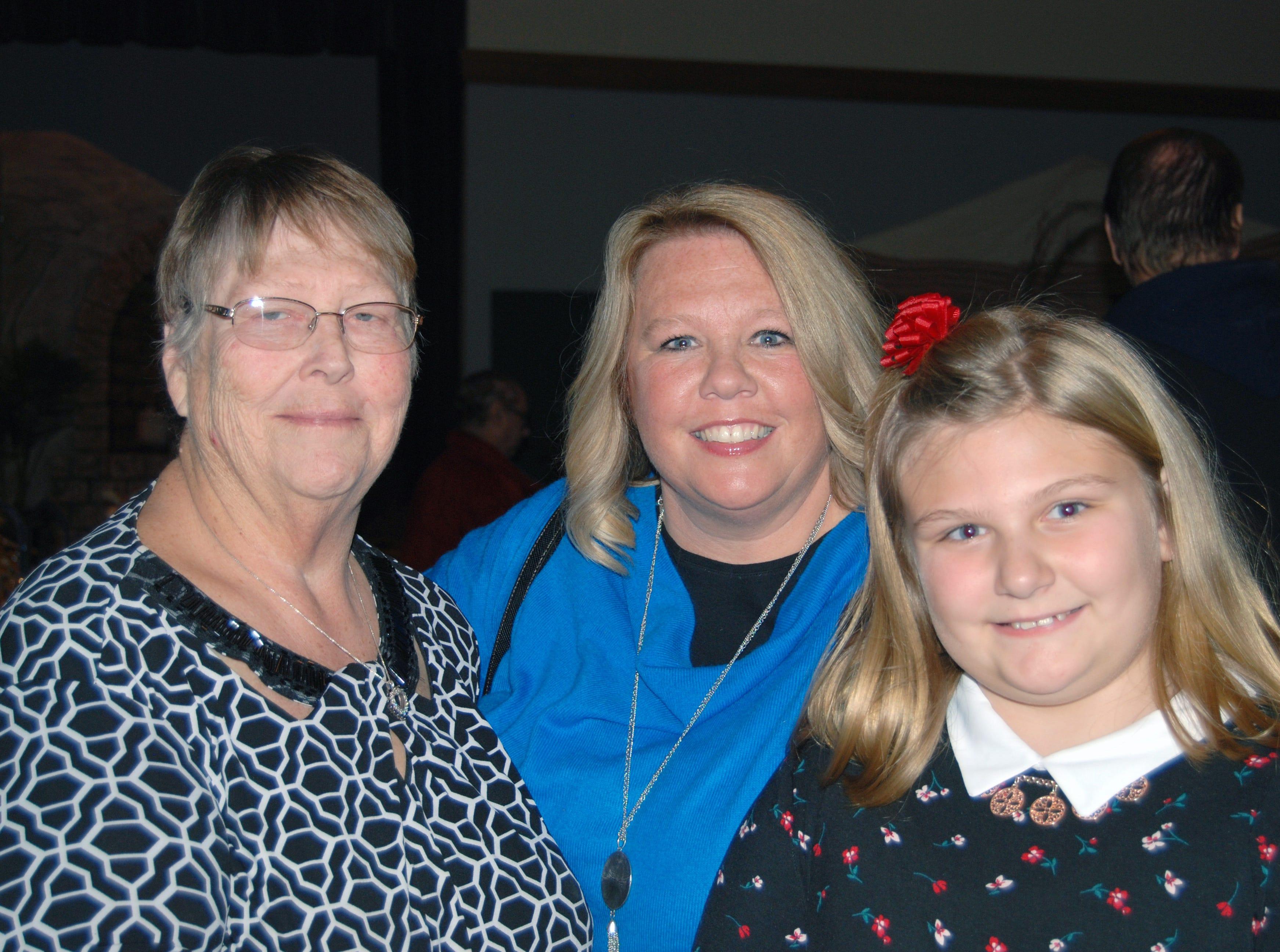 Lola Ice, Elizabeth and Adia Thompson