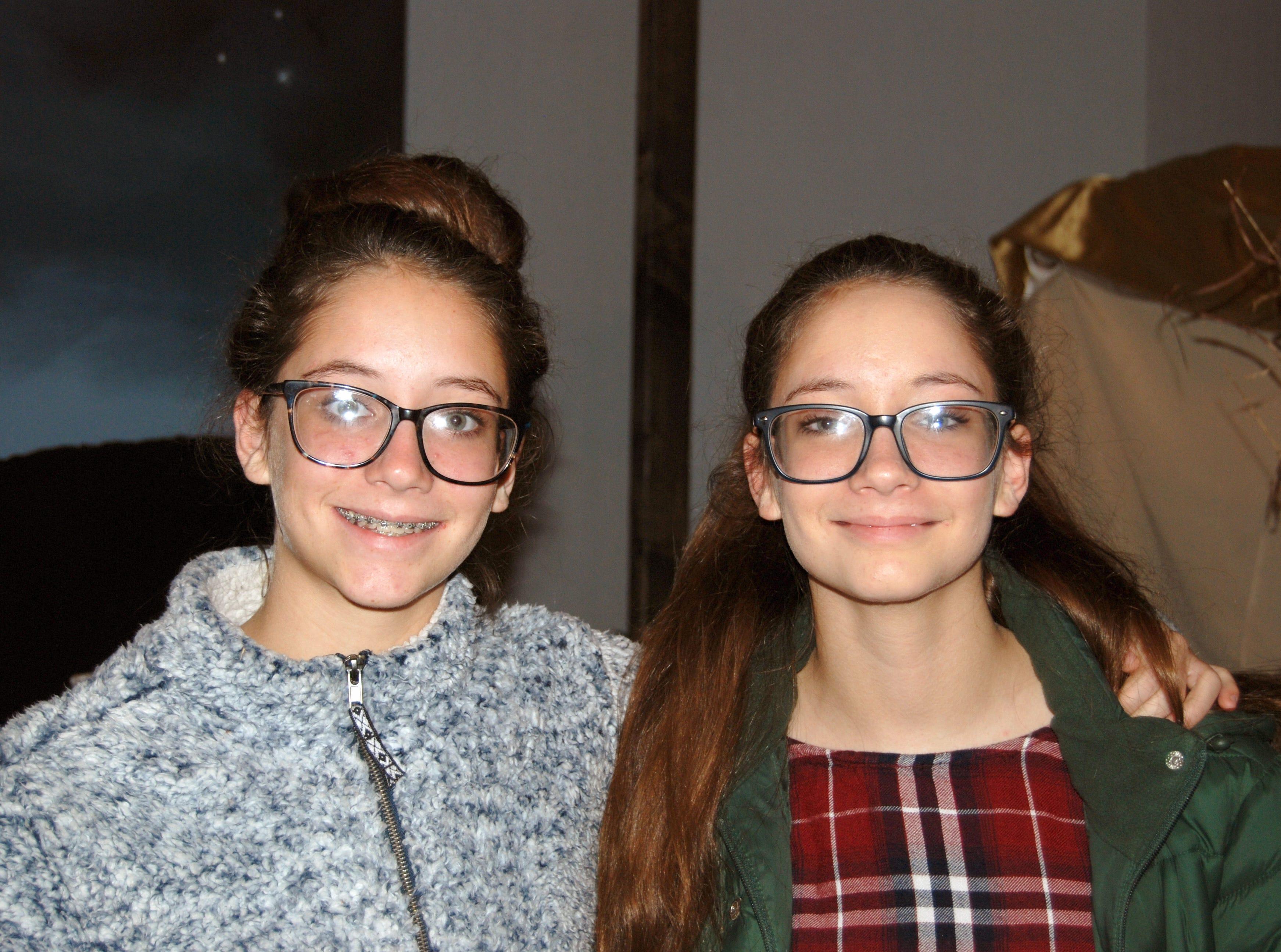 Alexa and Jasmine Hafer