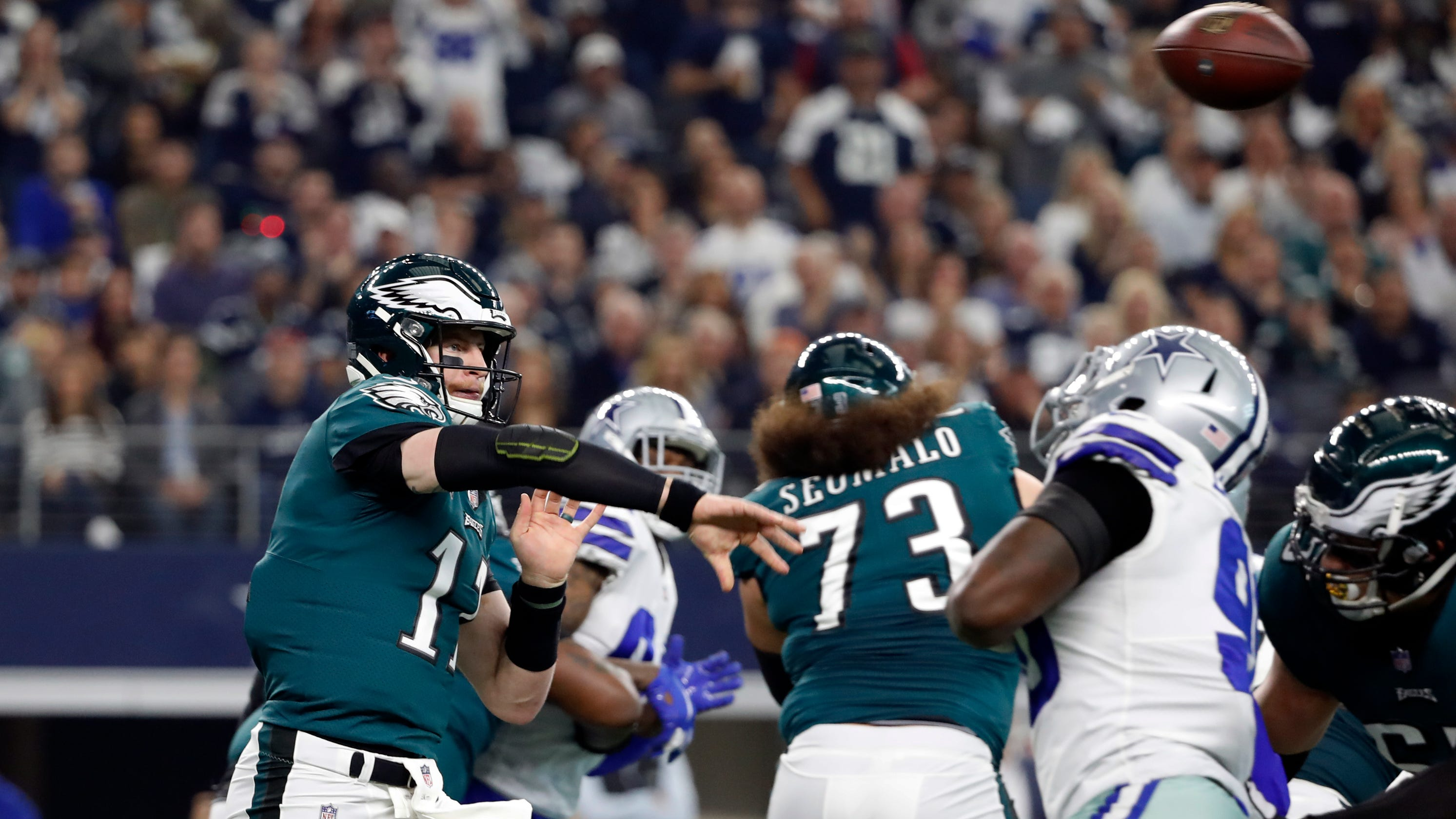 779241fee Why sitting Carson Wentz for Nick Foles should help Eagles in the future