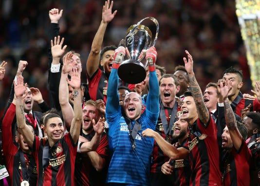 mls cup-atlanta-guzan-trophy