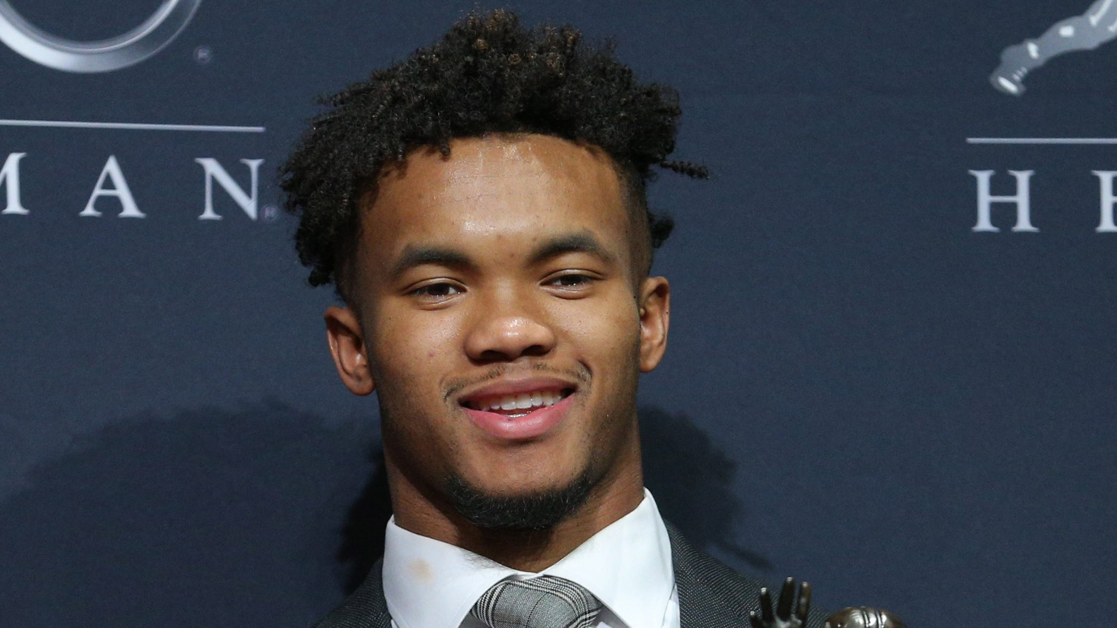 Kyler Murray apologizes for homophobic tweets that resurfaced after he won Heisman Trophy