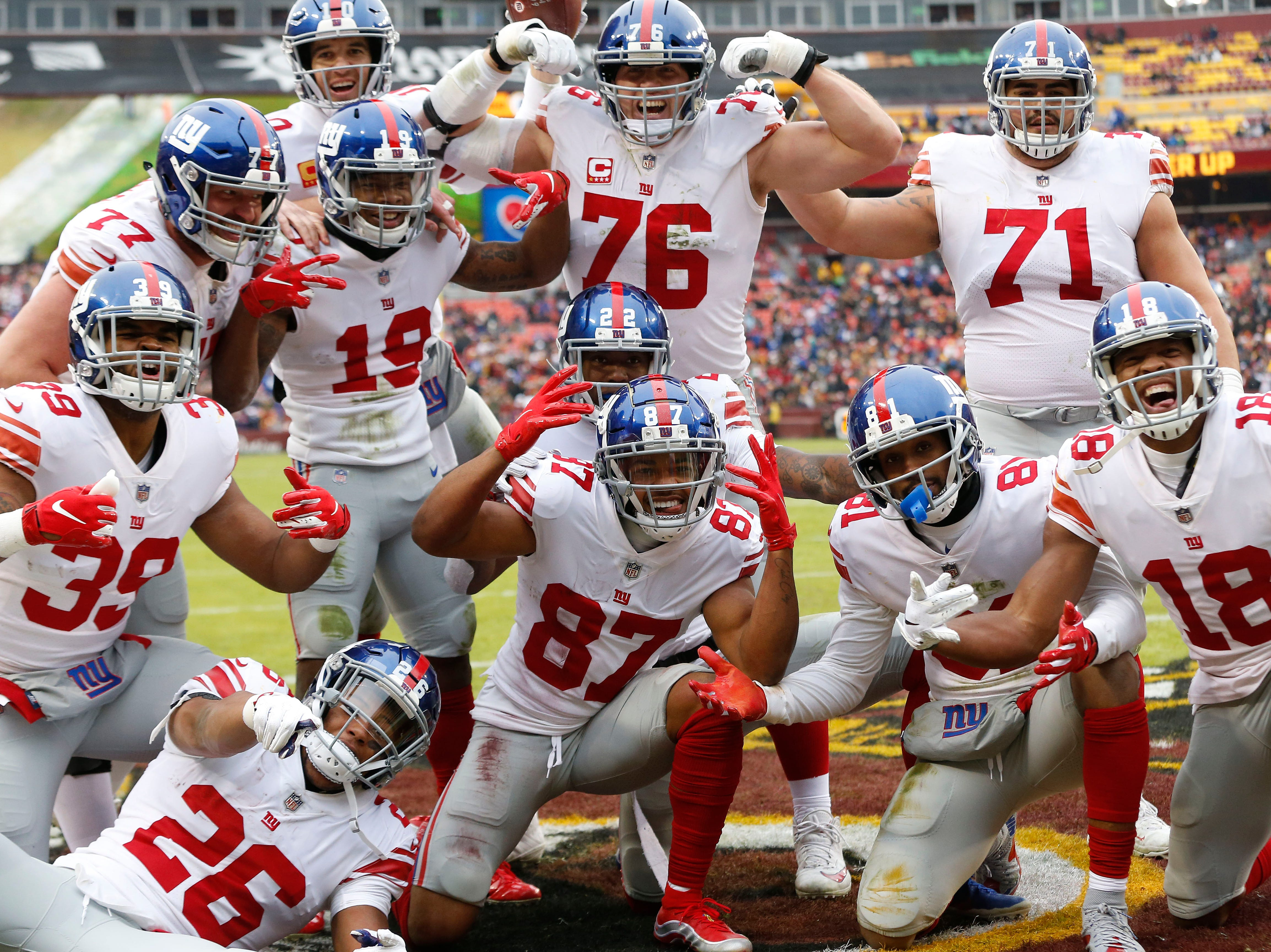 Giants players celebrate after Sterling Shepard's touchdown catch against the Redskins.
