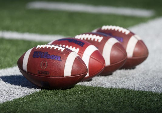Ncaa Football Northwestern At Wisconsin