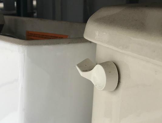 Bur20181210 Toilets 09