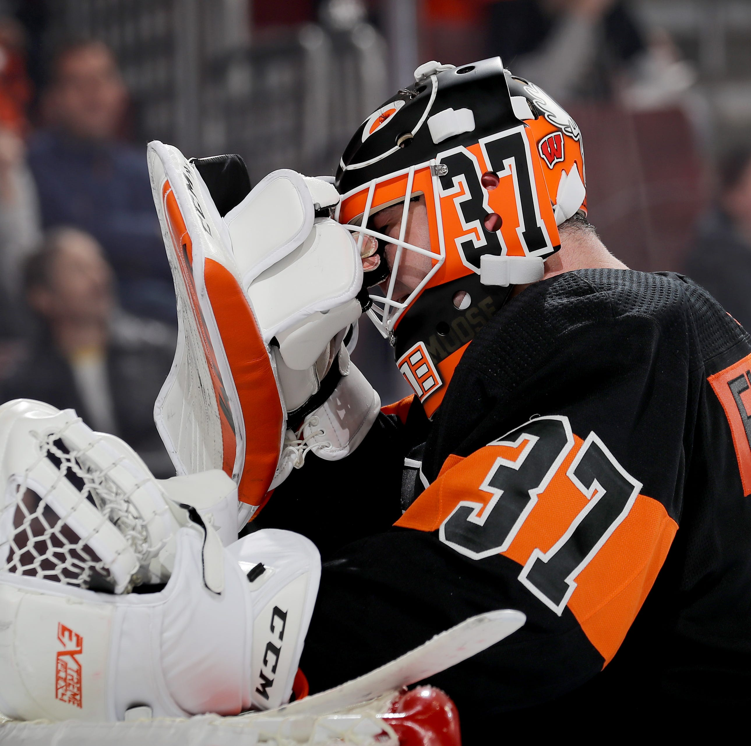 Flyers Mailbag: The search for a goalie marches on