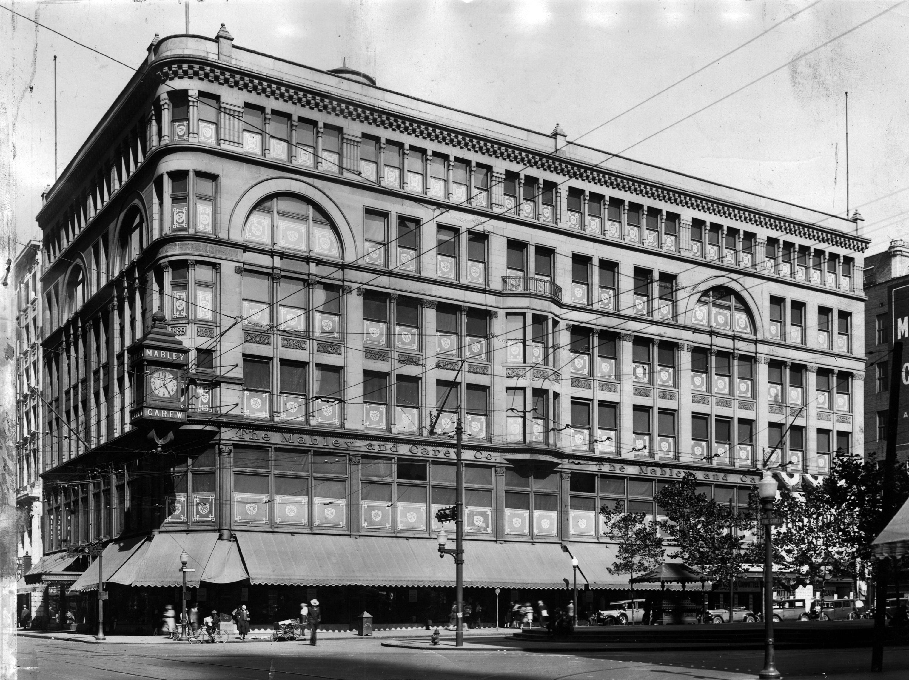 Mabley & Carew, founded in 1877 by C.R. Mabley and J.T. Carew, occupied three different corners at Fifth and Vine streets. The building, designed by McLaughlin in 1889, was at the current location of Fountain Square and helped to transform the area into the heart of the city.