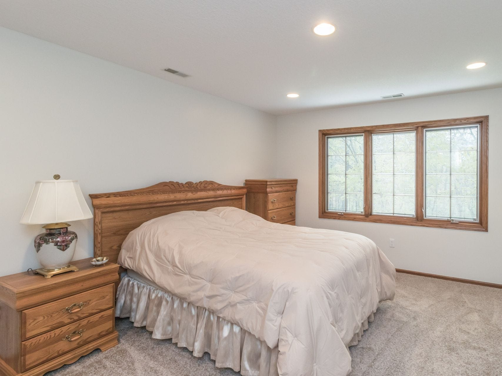 This home in the private residential golf community at Glen Oaks and spans more than 4,000 square feet of living space.