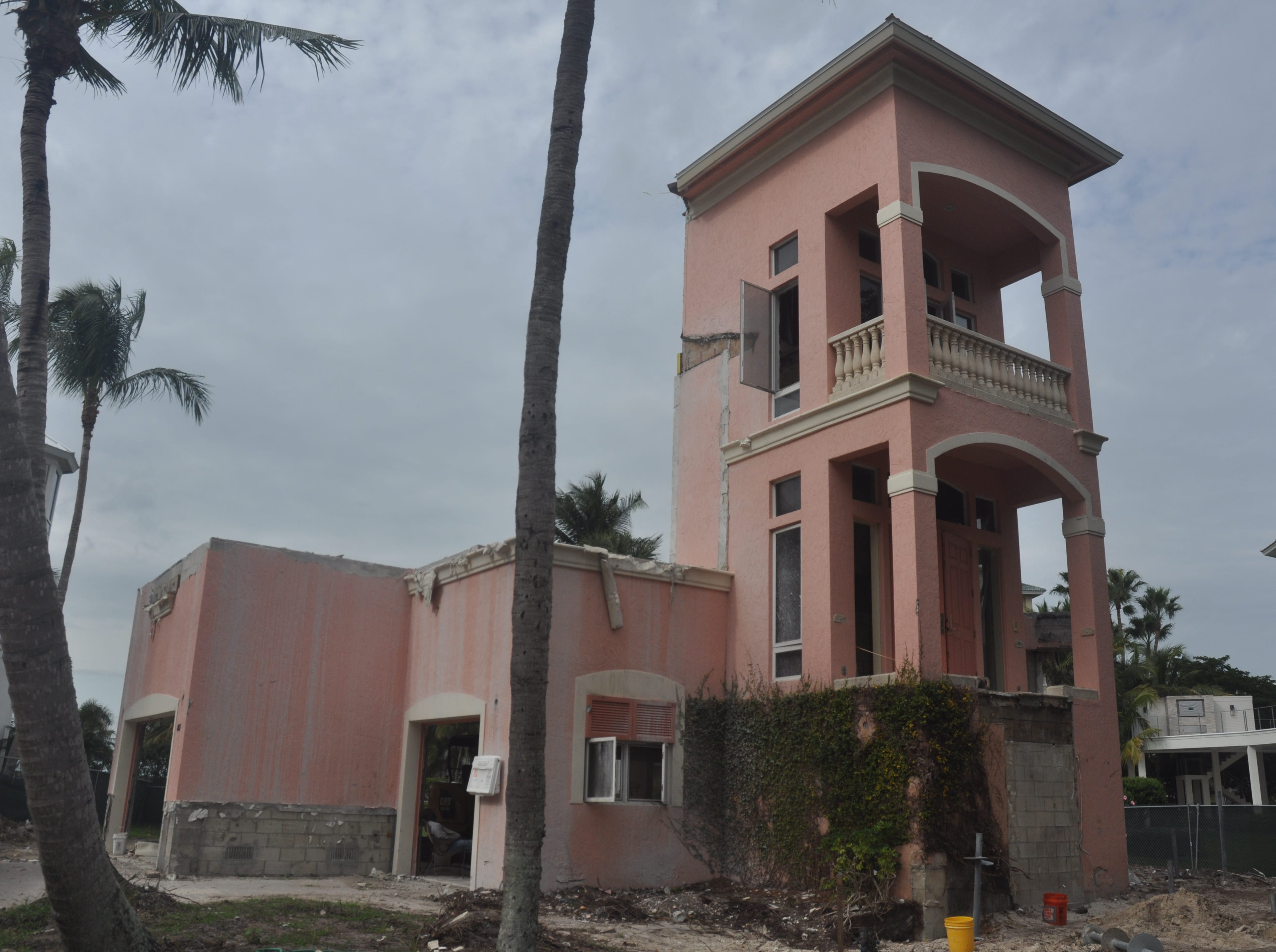 Dated homes in Barefoot Beach getting a new look