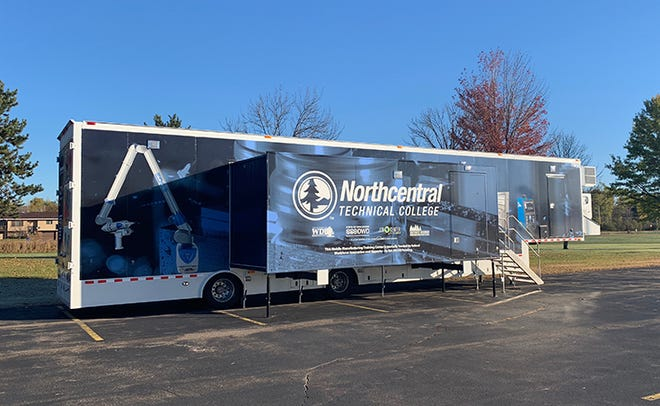Advanced Manufacturing Mobile Lab