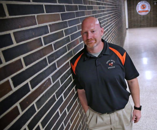 Beech Grove boys basketball coach Matt English died Monday morning during his third battle with brain cancer.
