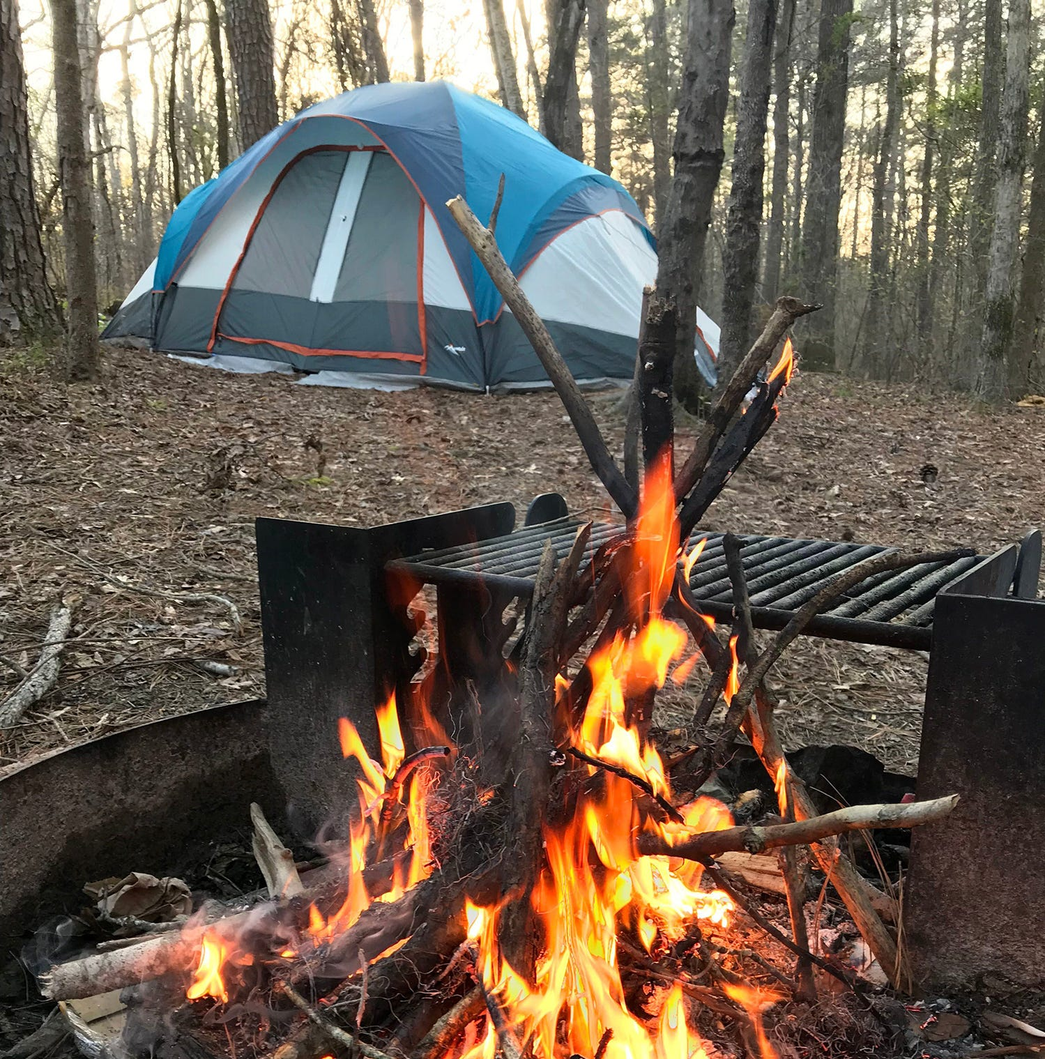 How to stay warm and comfortable while camping in Mississippi this winter