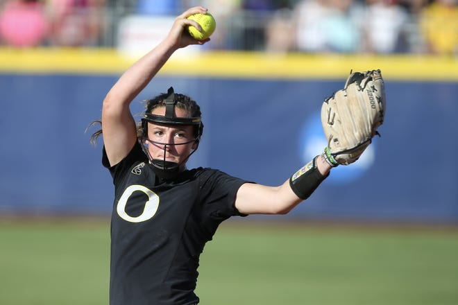 Former Oregon All-American pitcher Megan Kleist still plans to transfer to UL's softball program but won't actually be pitching for the Cajuns until the 2020 season.