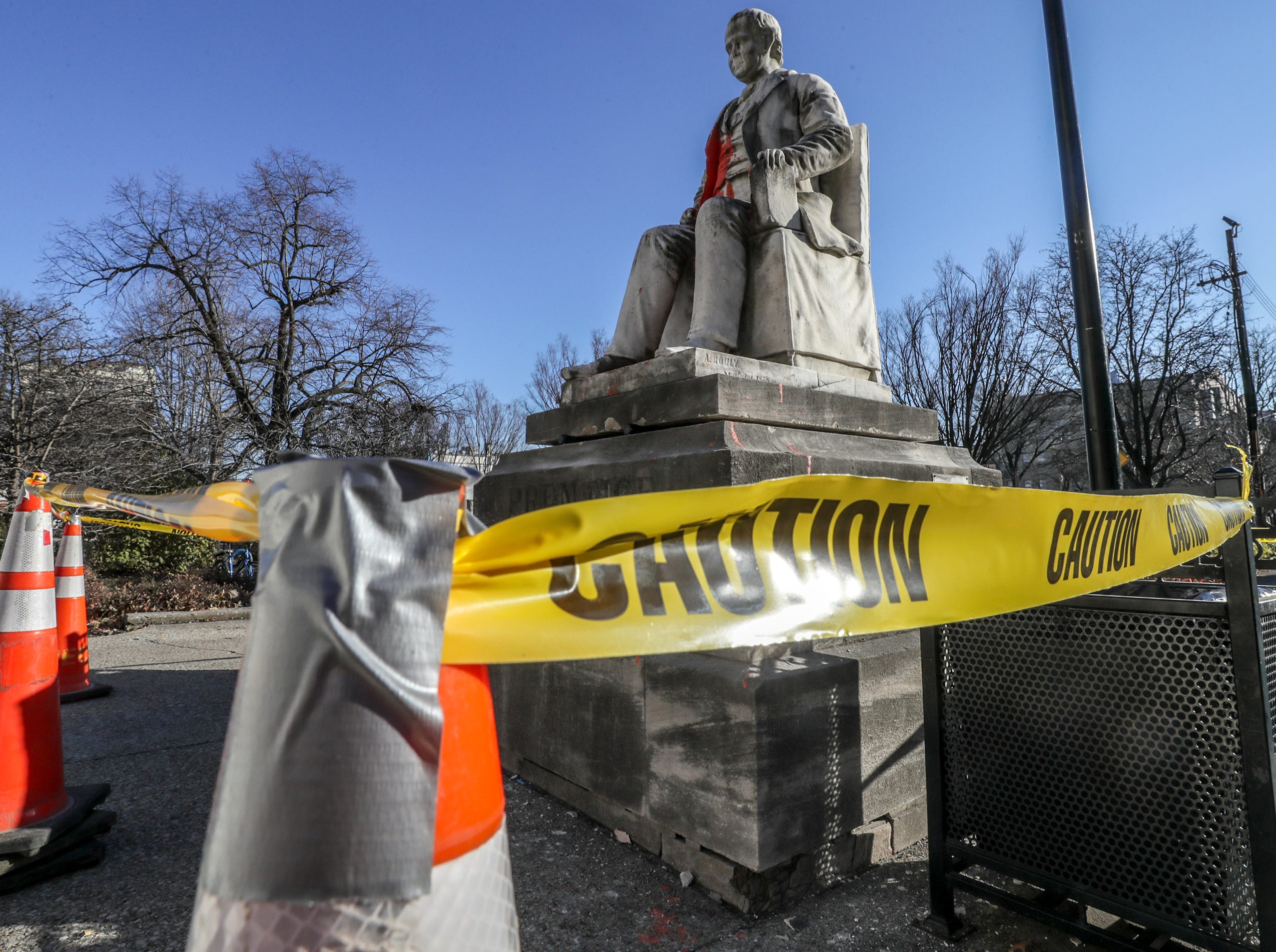 Statue of anti-Catholic outside Louisville library to be removed